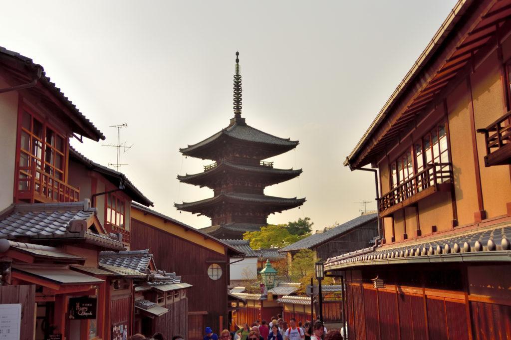 京都の八坂の塔(法観寺)