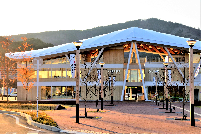 女川町の駅舎