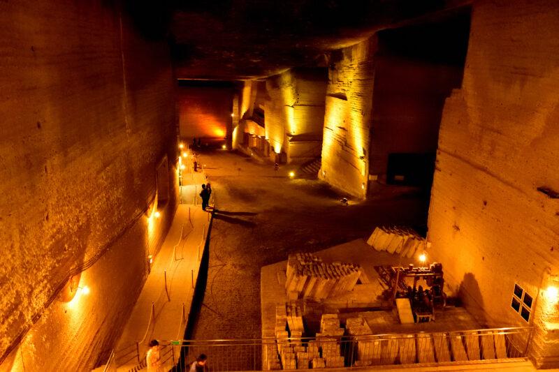 大谷資料館の巨大な地下空間