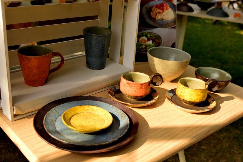 クラフトフェアまつもとの陶器のプレート