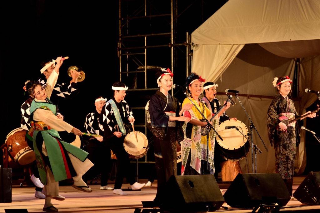 奄美の歌姫と鼓童のステージ