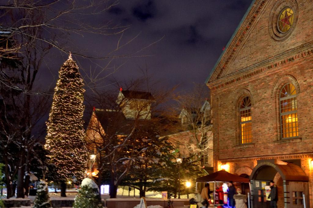 サッポロビール博物館とクリスマスツリー