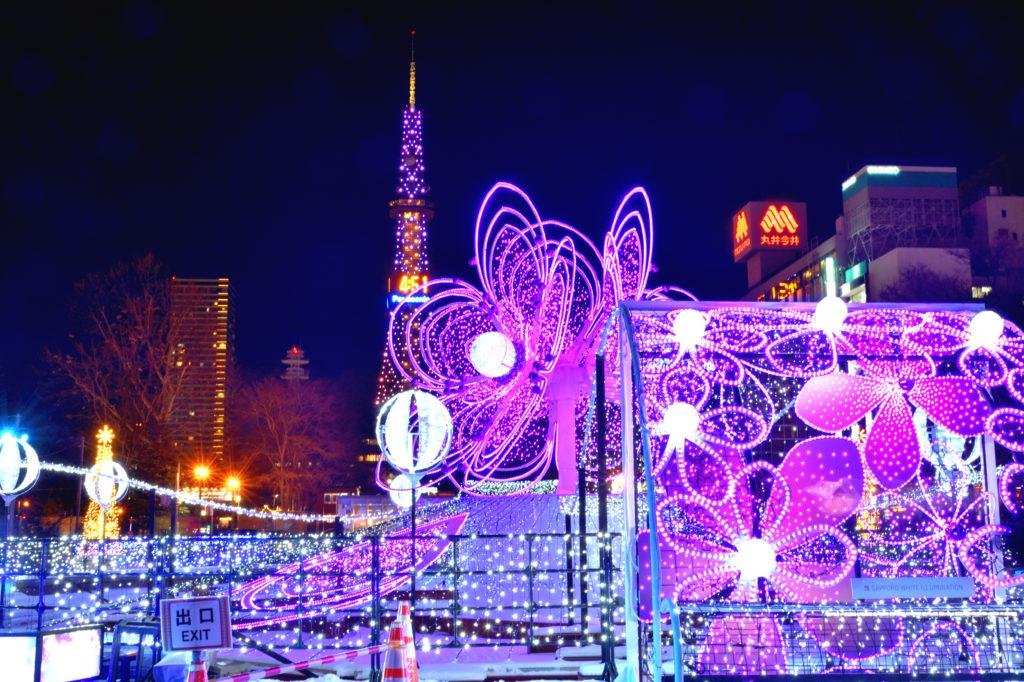 札幌ホワイトイルミネーションのライラックとテレビ塔