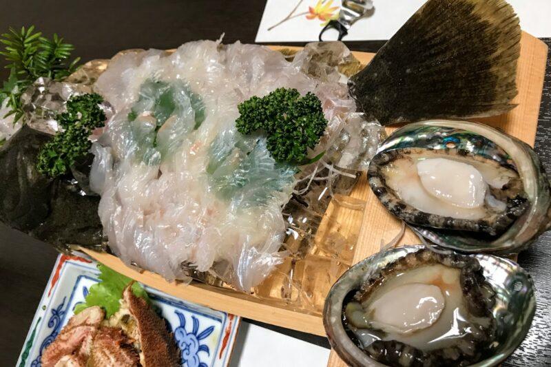 高島旅館のヒラメの刺身